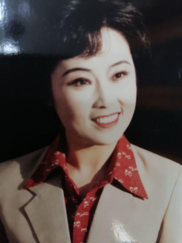黄梅戏艺术家梅伟慈