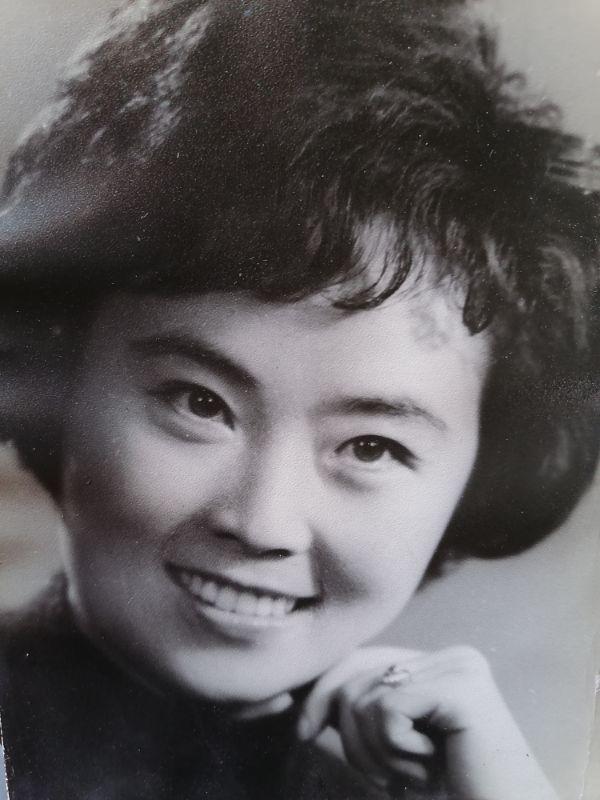 黄梅戏艺术家梅伟慈年轻时的照片