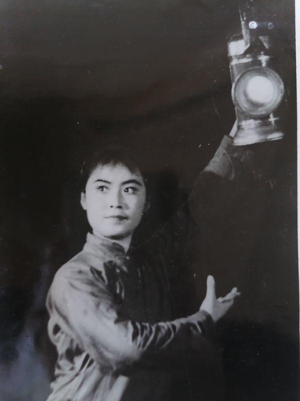 梅伟慈饰演《红灯记》中的李铁梅